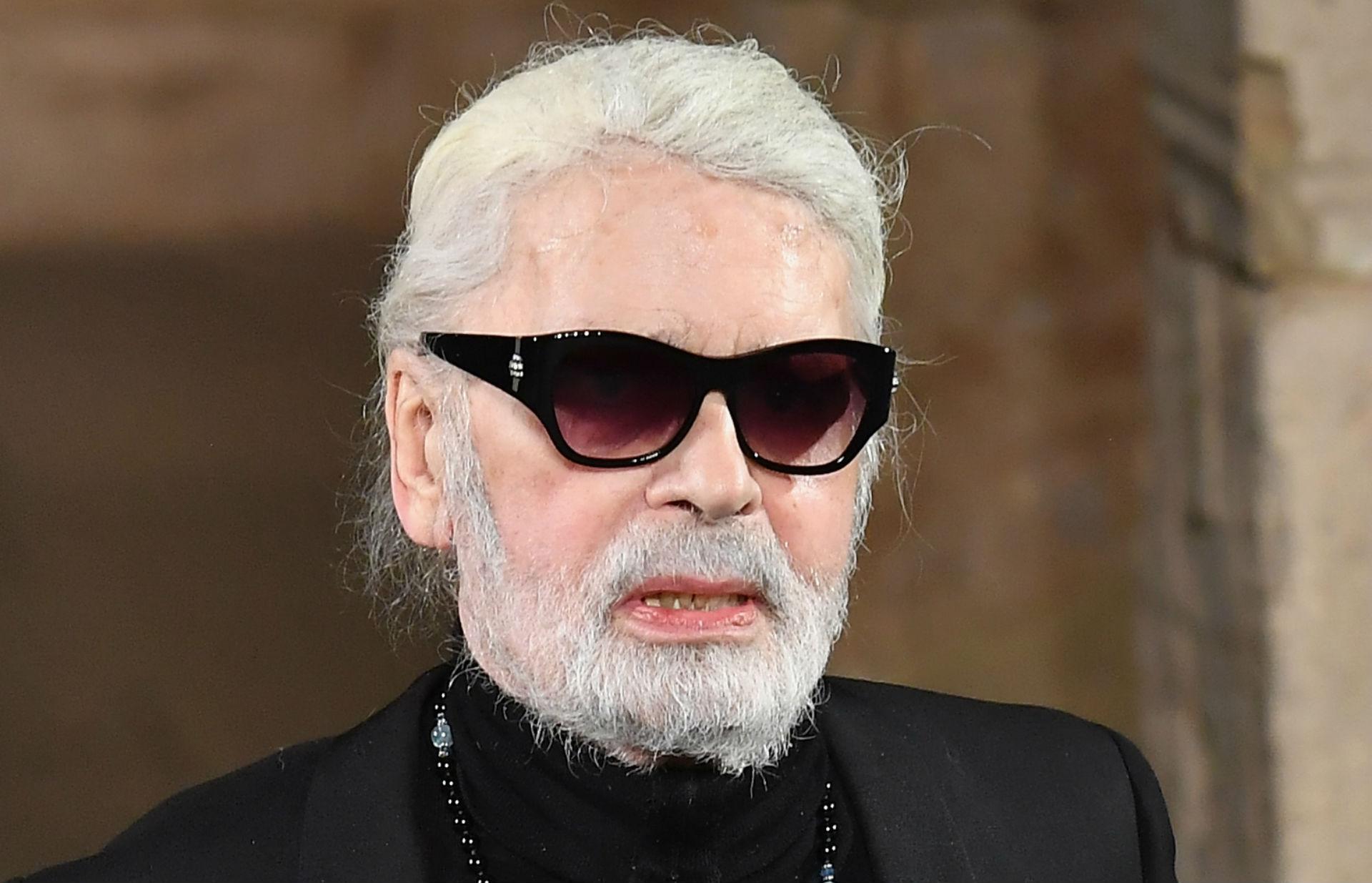Karl Lagerfeld Pioneering Fashion Designer Has Died Wreg Com