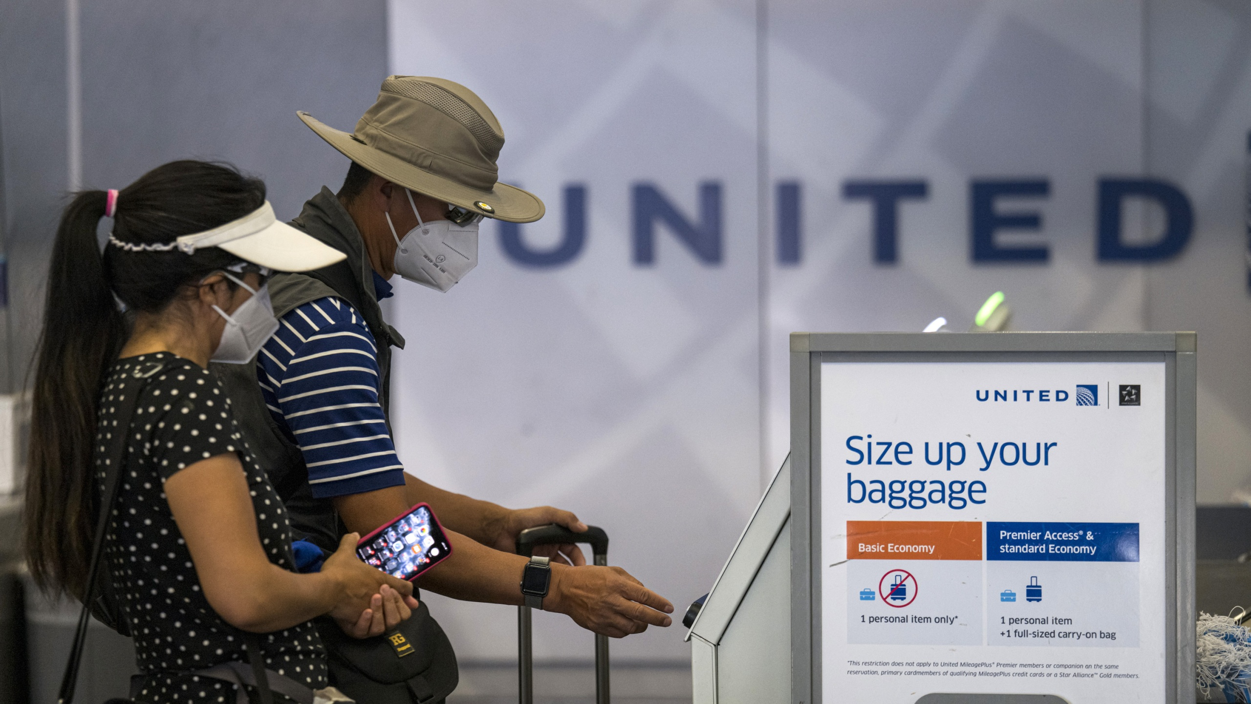 Airlines Desperately Need People To Fly That S Why United And Delta Are Dumping Change Fees,United Airlines Baggage Guidelines